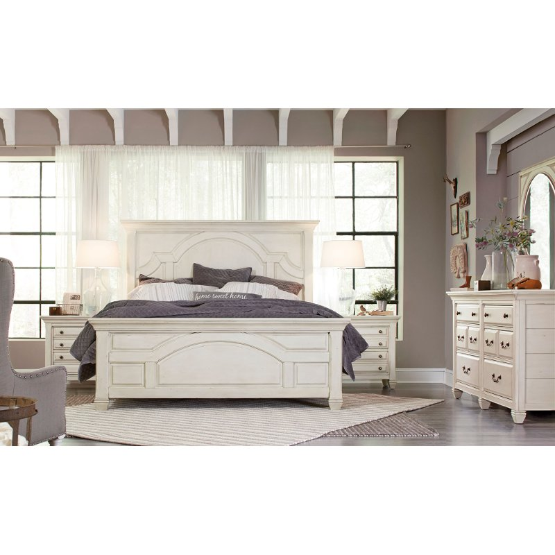 White Classic Cottage 4 Piece Queen Bedroom Set