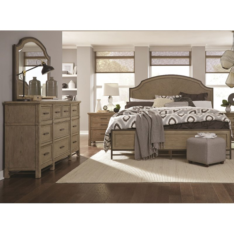 Rc Willey Stores: Classic Weathered Sand 4 Piece Queen Bedroom Set