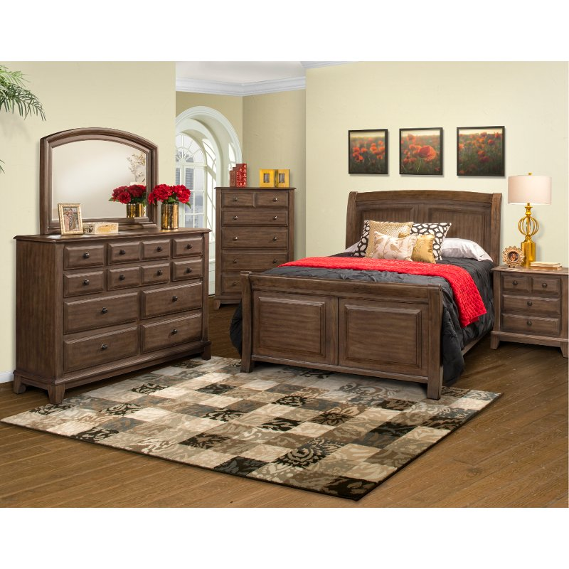 Classic Walnut Brown 4 Piece Queen Bedroom Set   Hemingway | RC Willey  Furniture Store