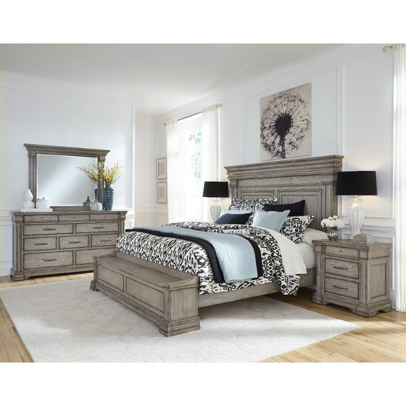 Traditional Gray 4 Piece California King Bedroom Set