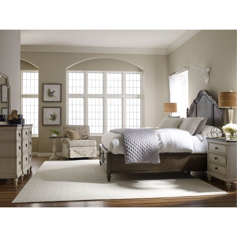 Traditional Two-Tone 4 Piece King Bedroom Set