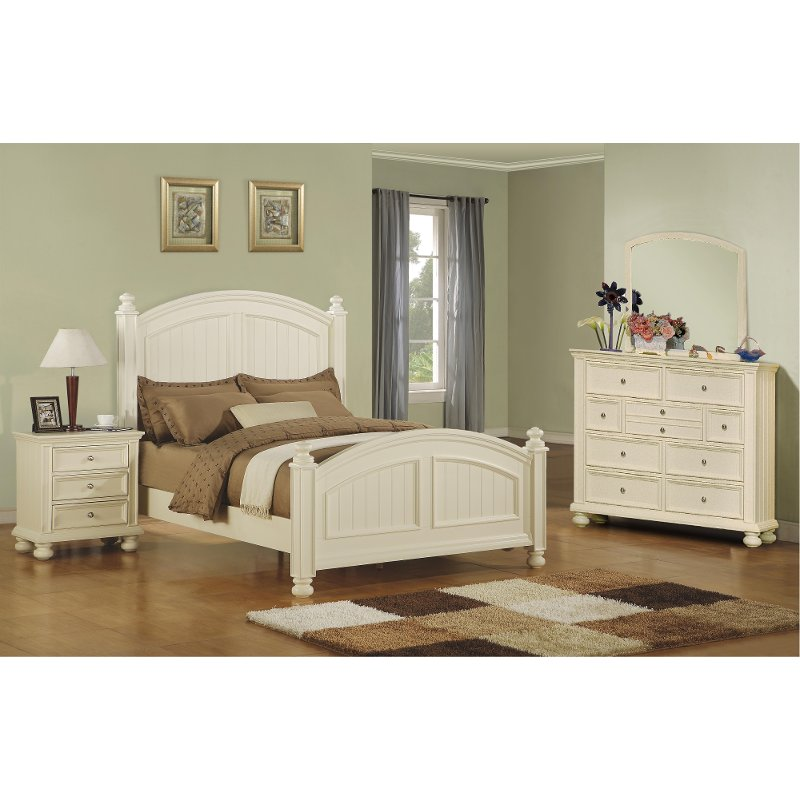 Classic Eggshell White 4 Piece King Bedroom Set   Cape Cod