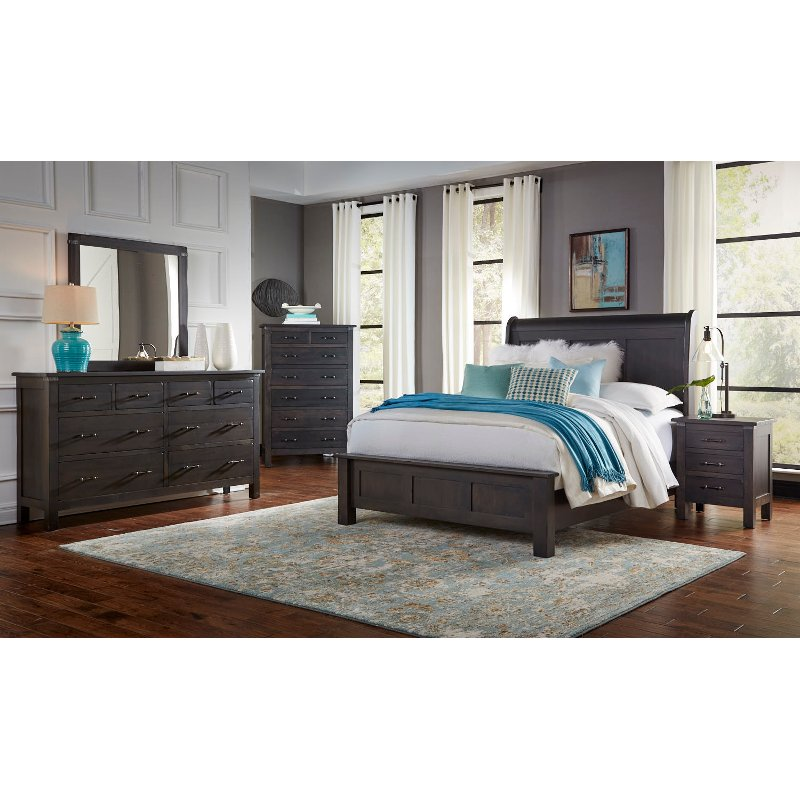 Clic Distressed Cherry 4 Piece Queen Bedroom Set Colin Rc Willey Furniture