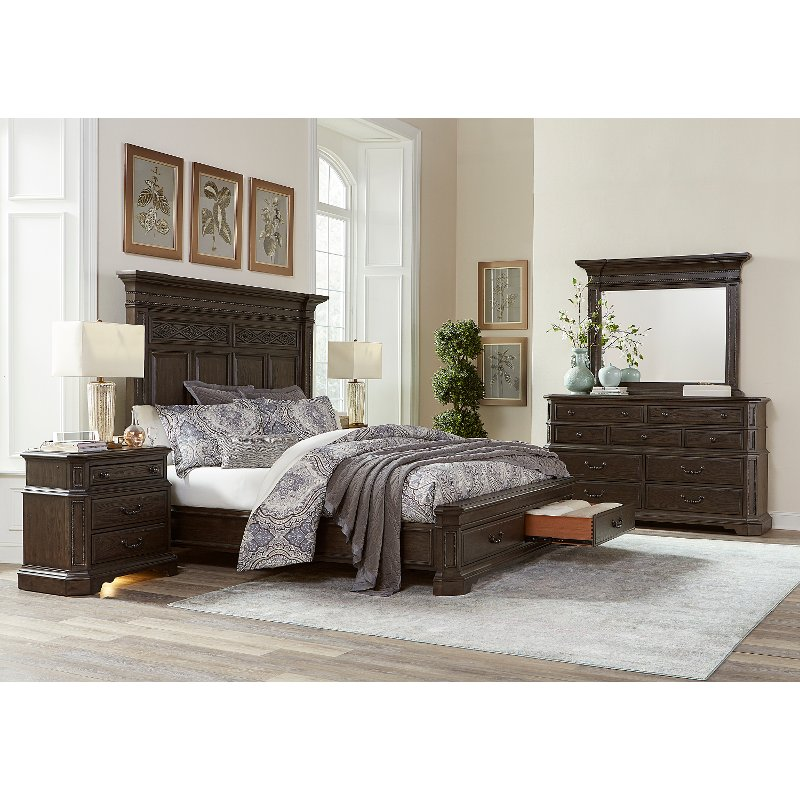 Traditional Brown 4 Piece Queen Bedroom Set - Foxhill | RC Willey ...