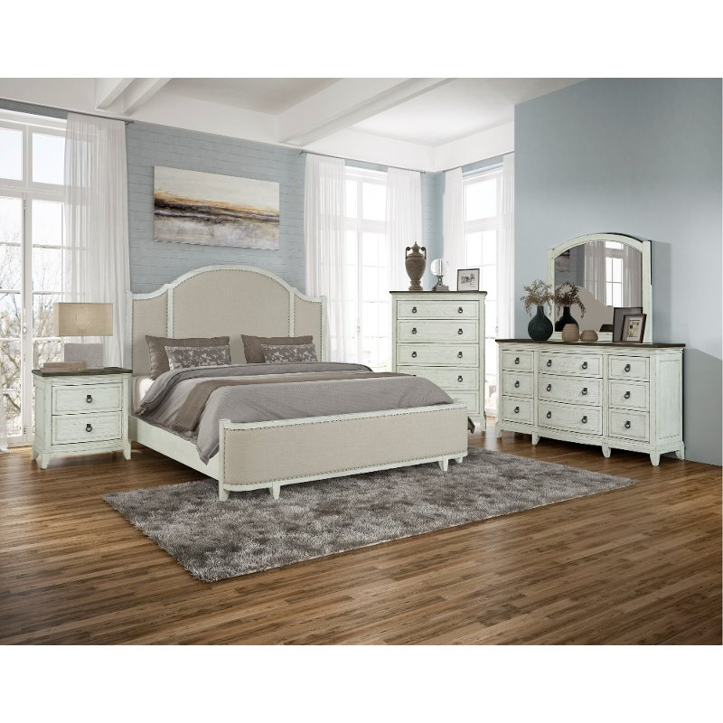 Country White 4 Piece King Bedroom Set