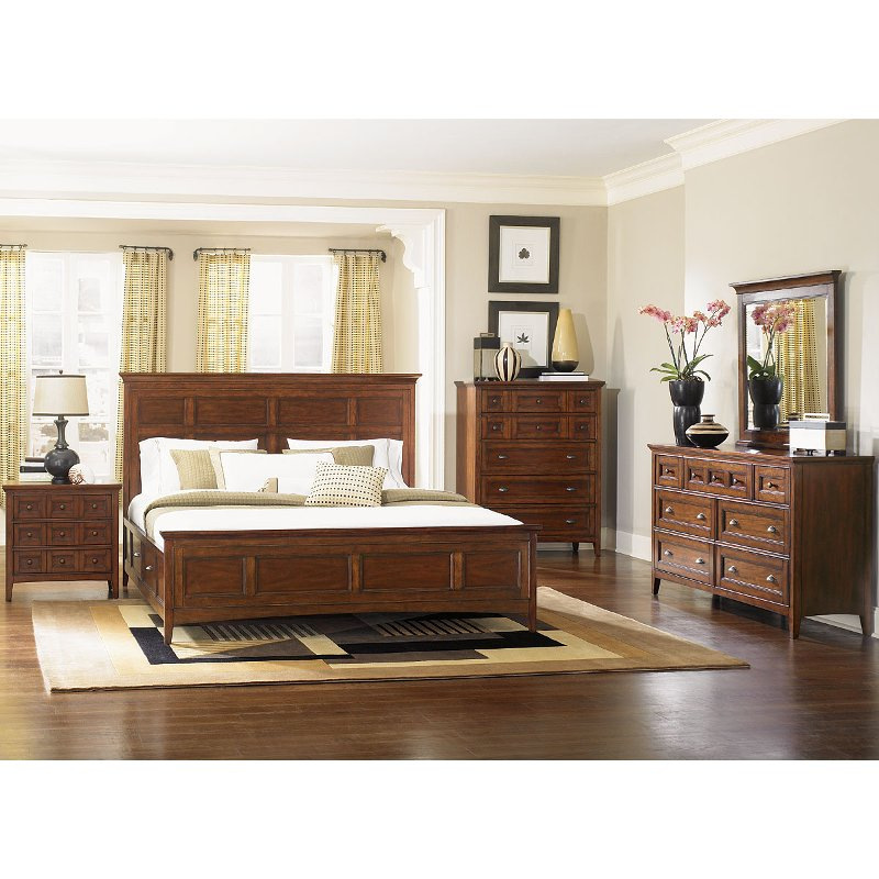 Bedroom Sets Furniture Stores: Cherry Casual Traditional 4 Piece Queen Bedroom Set