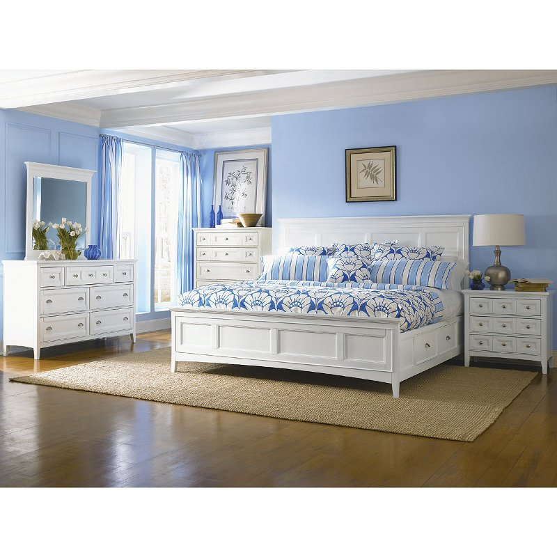 Lovely Classic Traditional White 6 Piece King Bedroom Set   Kentwood