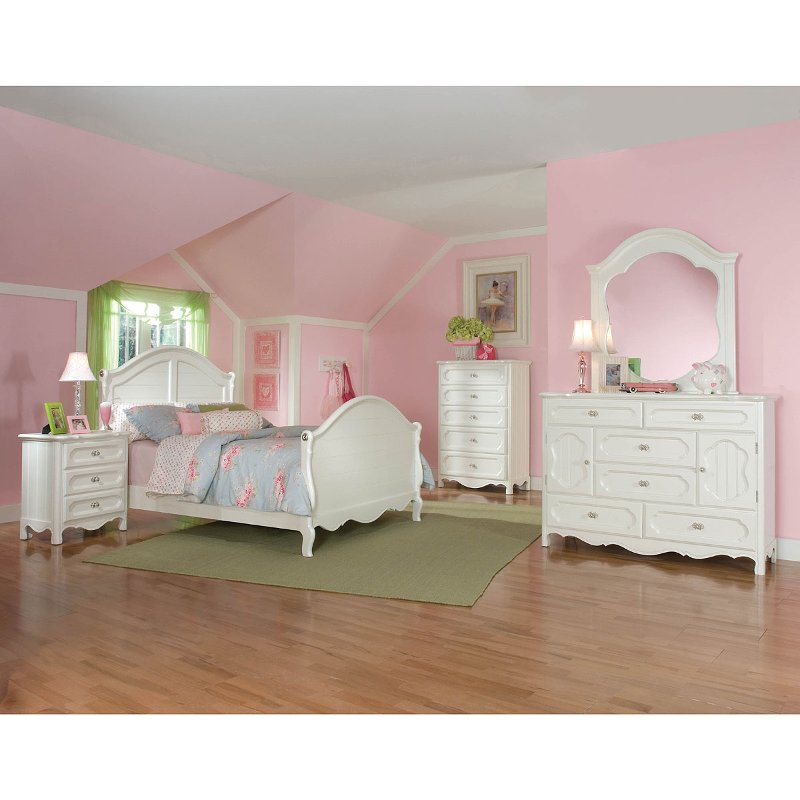 Adrian white 6 piece full bedroom set for Full bedroom furniture sets