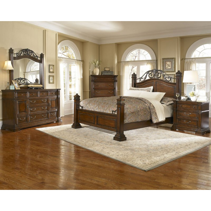 6 Piece Cal King Bedroom Set Rc Willey Furniture Store