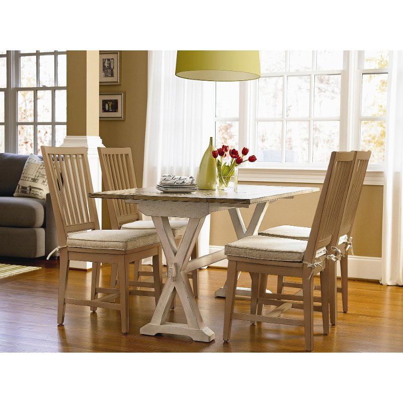 Universal 5 Piece Dining Set