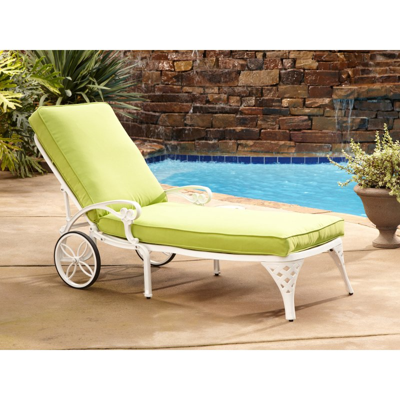 White Chaise Outdoor Lounge Chair With Green Apple Cushion   Biscayne