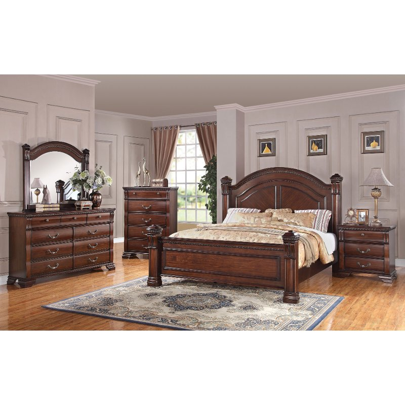 Traditional Dark Pine 4 Piece Queen Bedroom Set