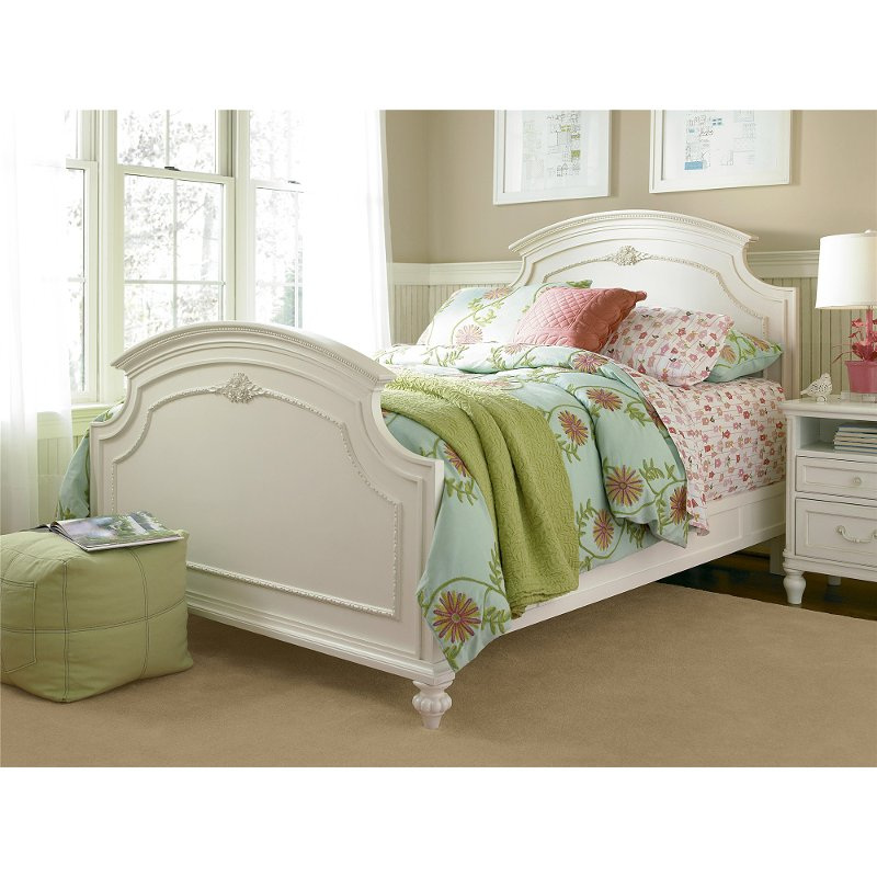 Gabriella lace white 6 piece full bedroom set for White full bedroom furniture