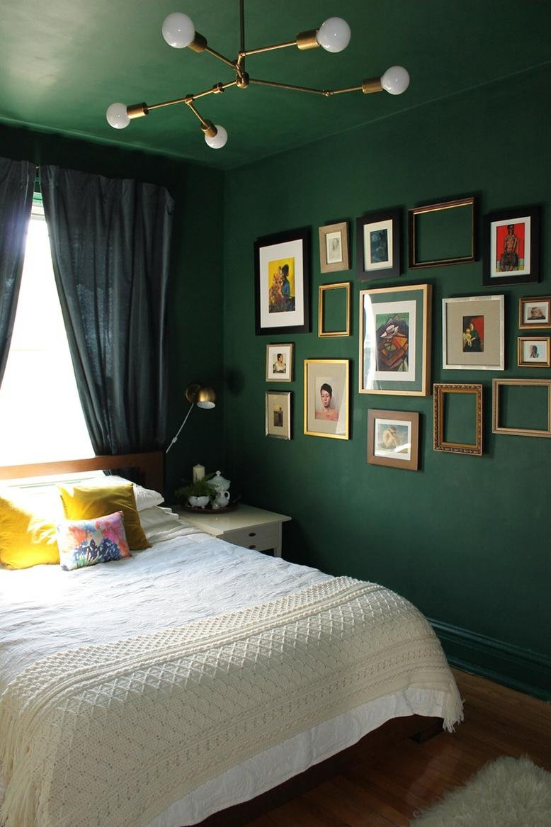 bedroom painted green