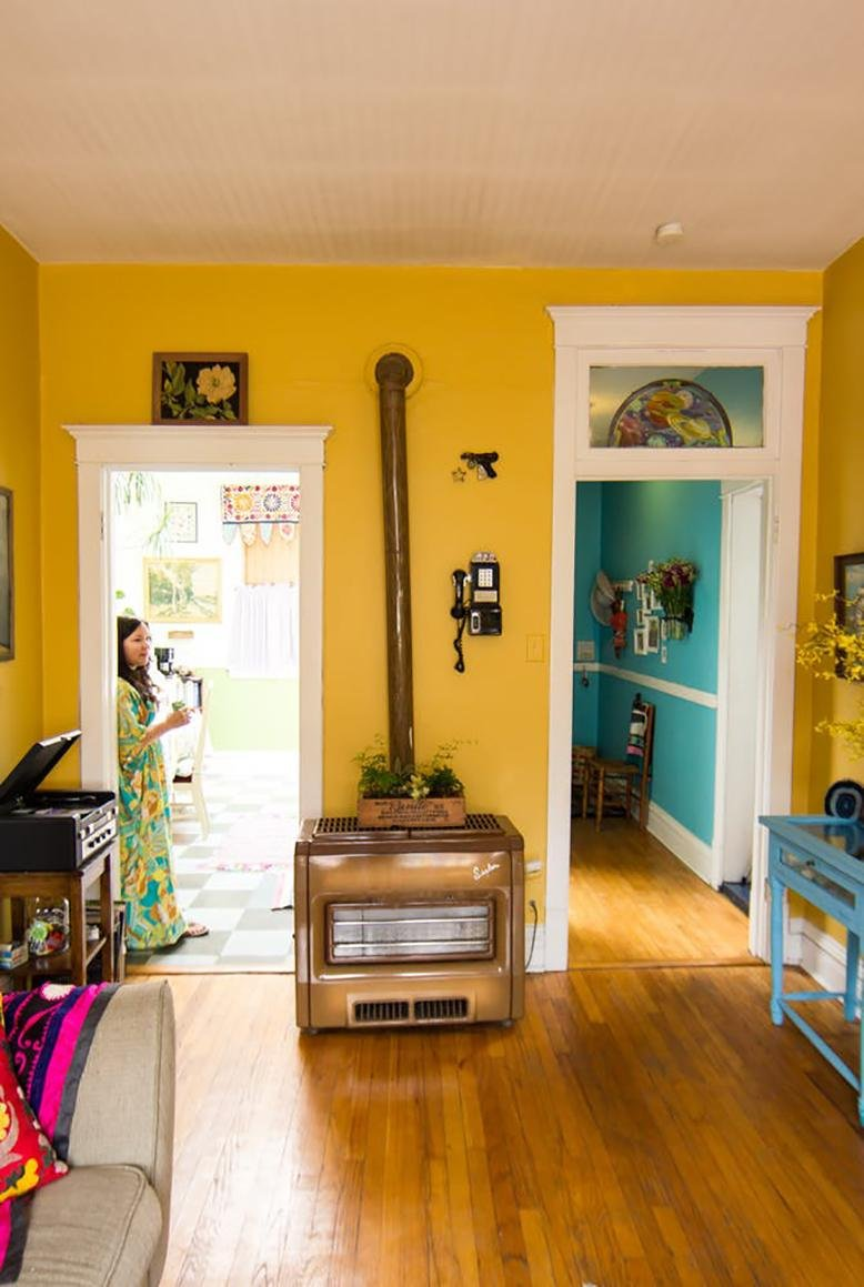 Color psychology rc willey blog for Yellow painted rooms