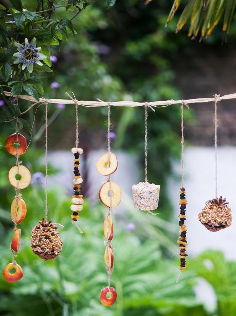 bird feeder garland
