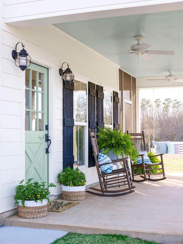 Front porch decorating ideas rc willey blog for Front porch lighting ideas