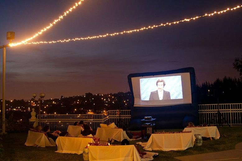outdoor movie lighting