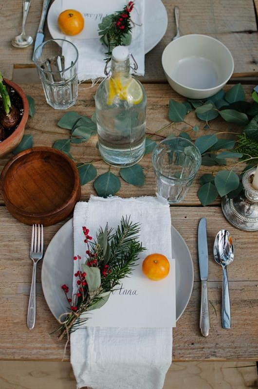 via pinterest & Christmas Dinner Table Settings | RC Willey Blog