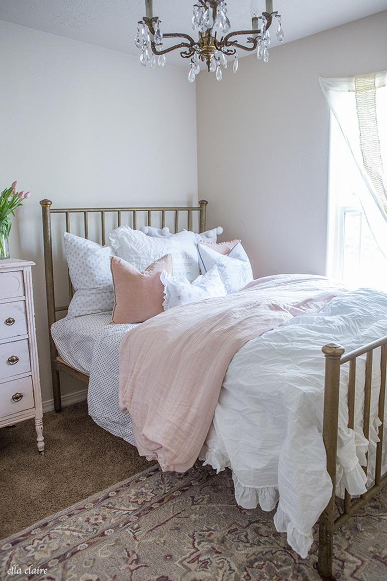 pretty bedroom