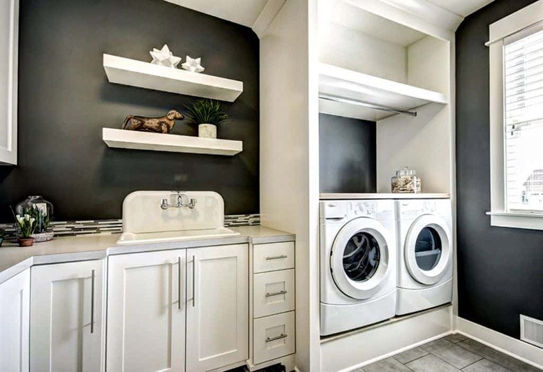 black laundry room