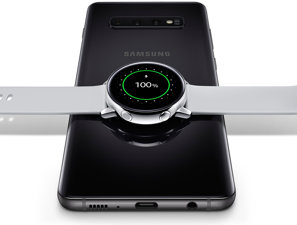 Galaxy smartphone charges watch