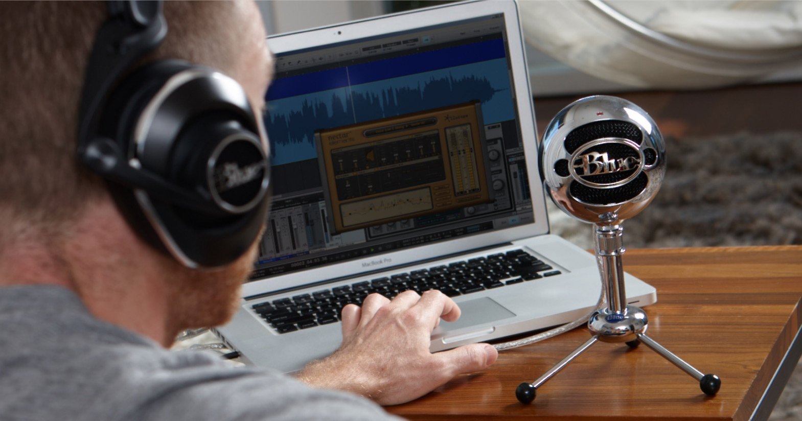 snowball microphone on computer