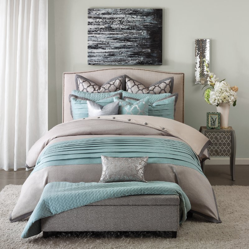 Queen Tranquility Bedding Collection