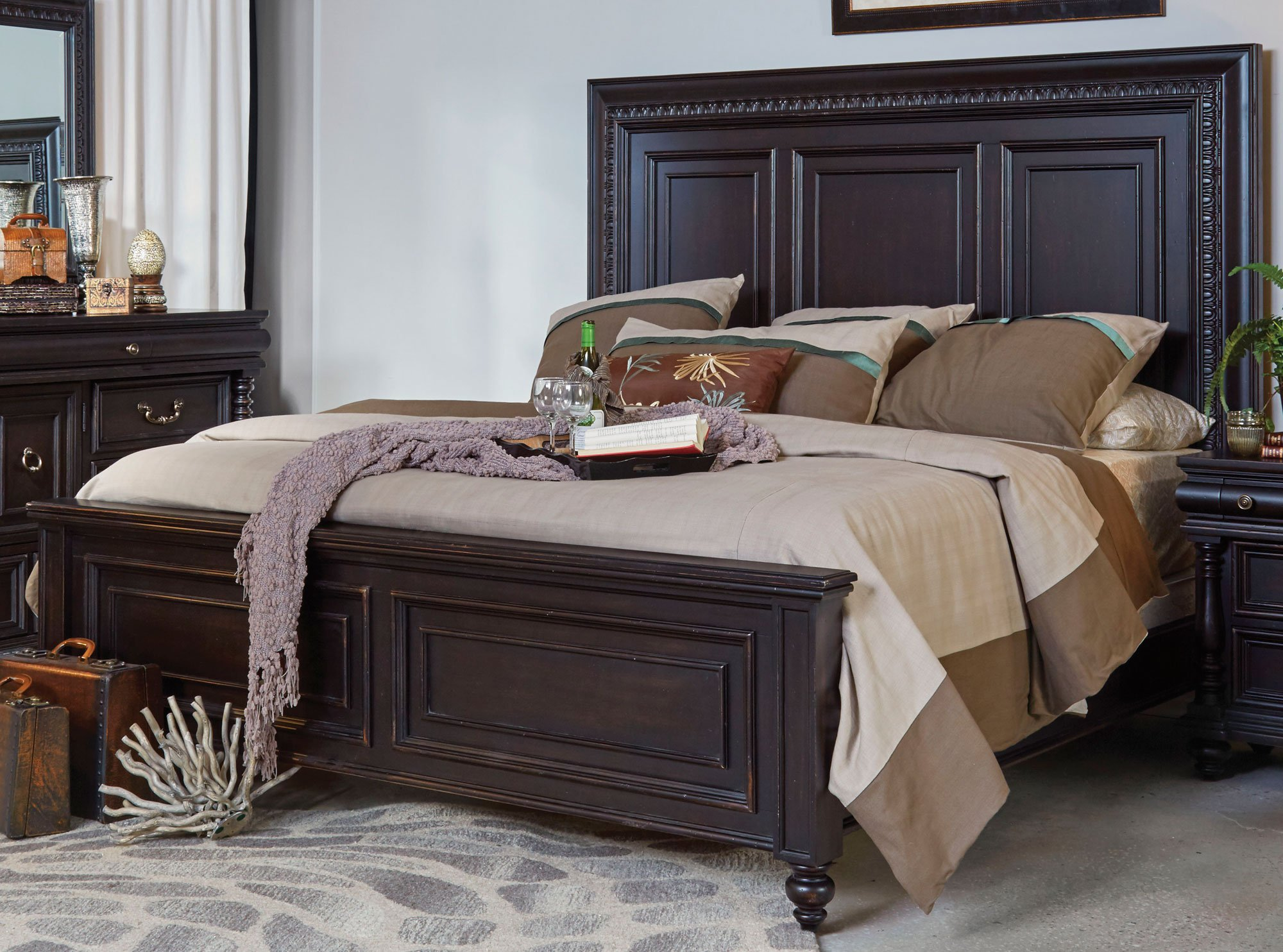 Cabernet Black Traditional 6 Piece King Bedroom Set Meritage Rc Willey Furniture Store