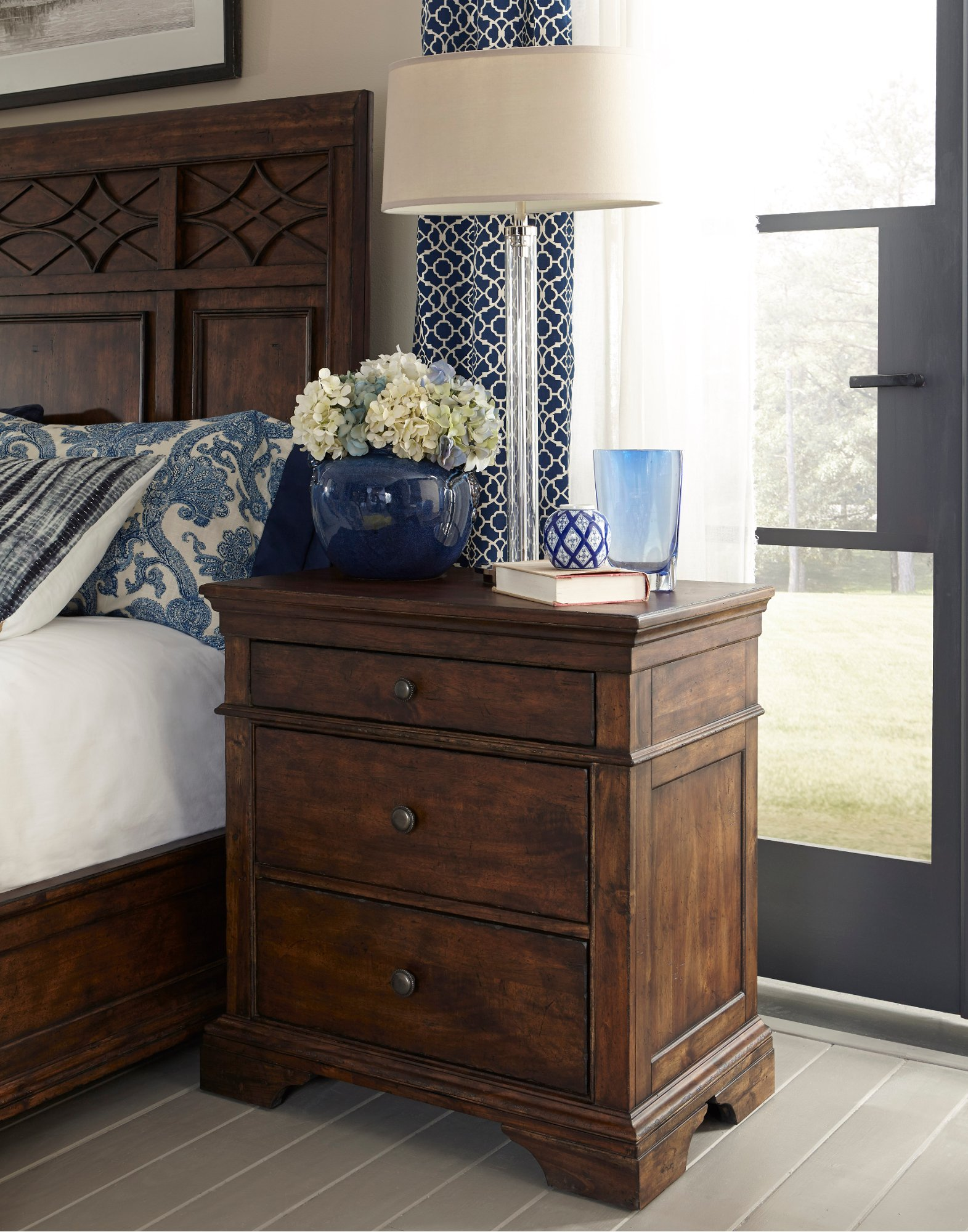 Coffee Brown Upholstered Traditional 6 Piece Queen Bedroom Set Trisha Yearwood Rc Willey