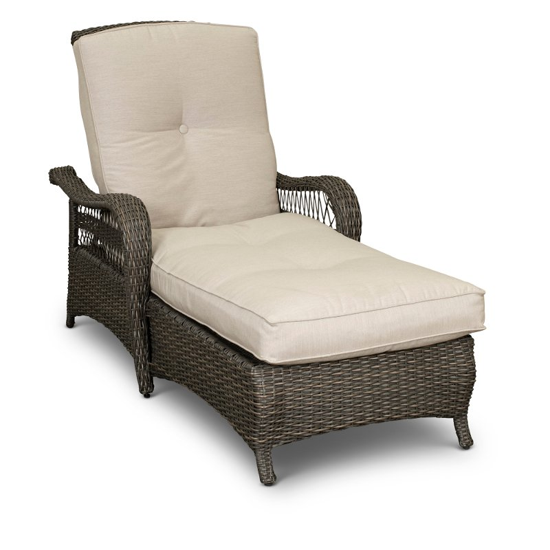 Wicker Outdoor Patio Chaise Lounge
