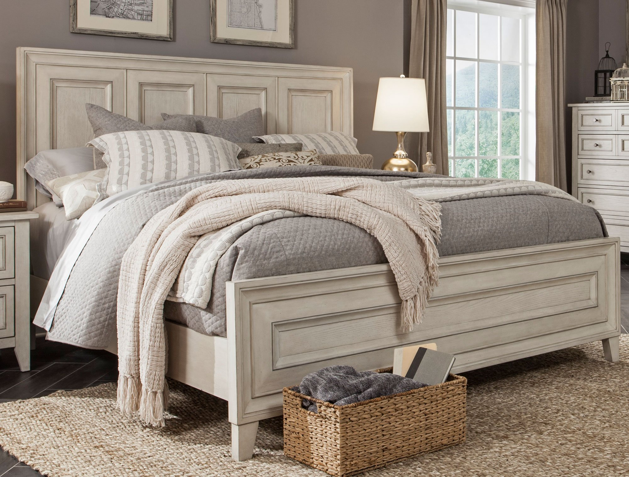White Casual Traditional 6 Piece King Bedroom Set