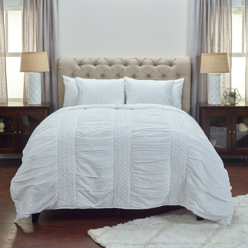 White Cotton Queen Quilt Bedding Collection - Carly