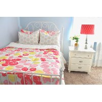 Beddy's Queen Cupcakes and Lemonade Bedding Collection