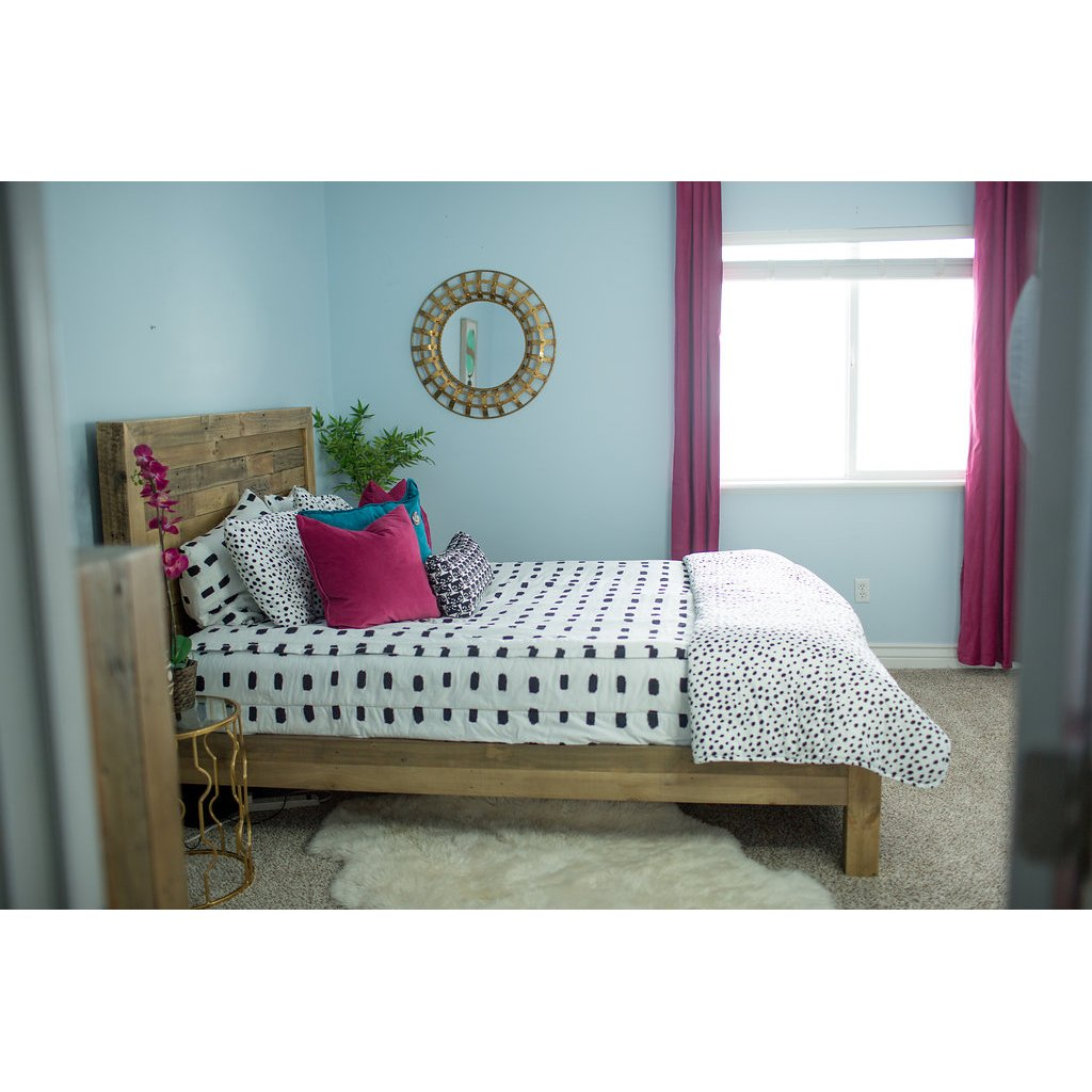 Beddy's Full White and Black Dash Bedding Collection
