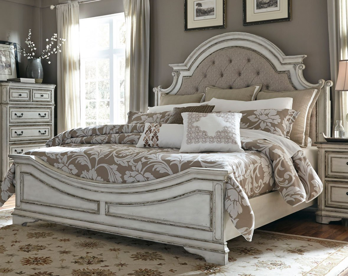 Traditional Antique White Queen Bed   Magnolia Manor