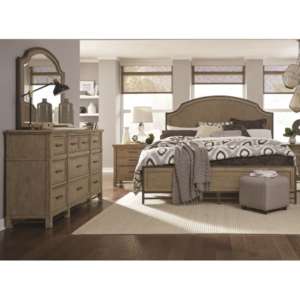 Clearance Classic Weathered Sand 4 Piece California King Bedroom Set    Leyton Park
