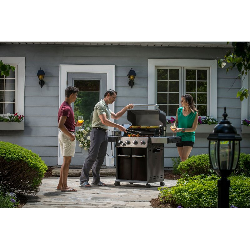 Broil King Baron 440 Natural Gas Grill - Black