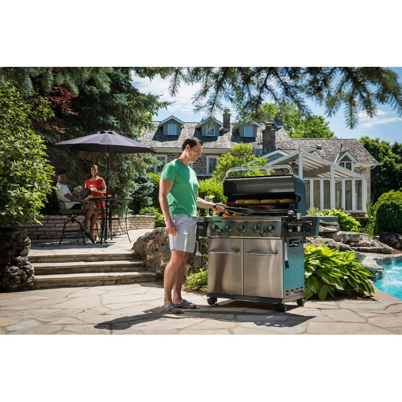 Broil King Regal S590 Pro Natural Gas Grill - Stainless Steel