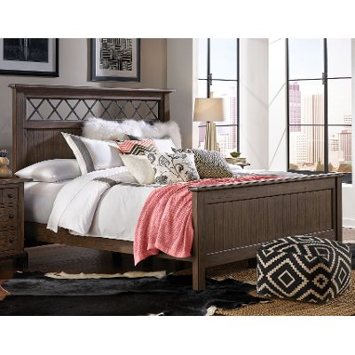 Classic Brown Queen Bed - Stone Mountain