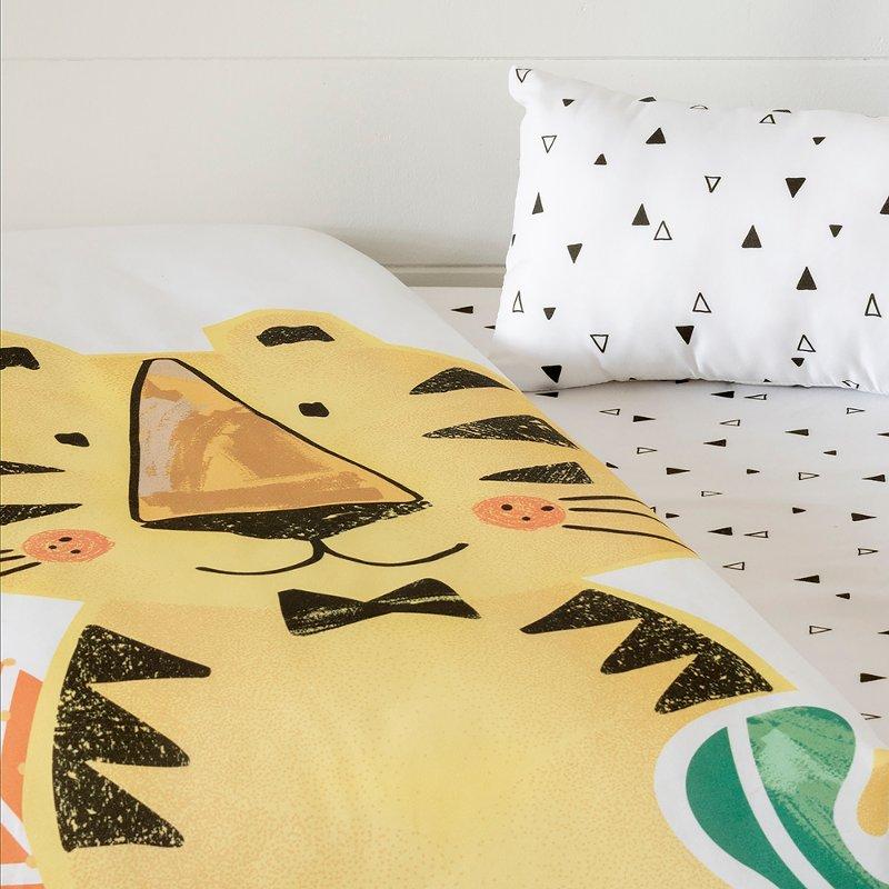 Black and White 4 Piece Crib Bedding Set - DreamIt