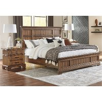 Classic Heirloom Oak Queen Bed - Eagle Mountain