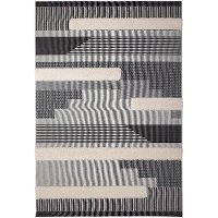 5 x 8 Medium Black, White, and Gray Indoor-Outdoor Rug - Playa