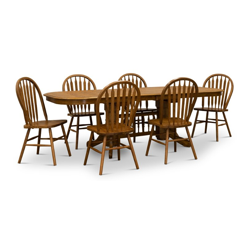 Oak 7 Piece Dining Set   Country Classic Chestnut Collection