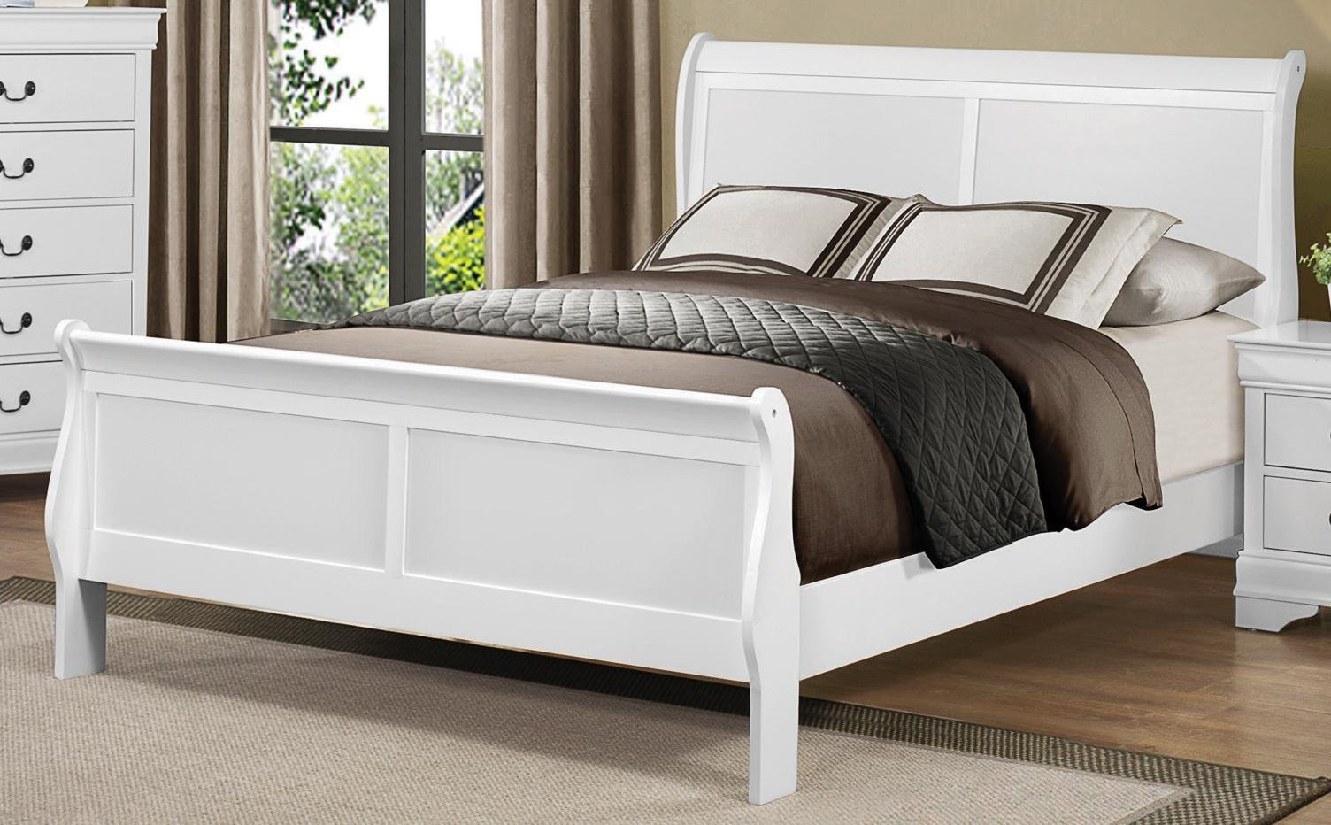 Classic White Queen Sleigh Bed   Mayville