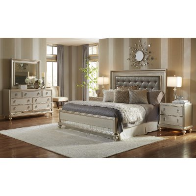 Clearance Traditional Champagne 4 Piece King Bedroom Set   Diva