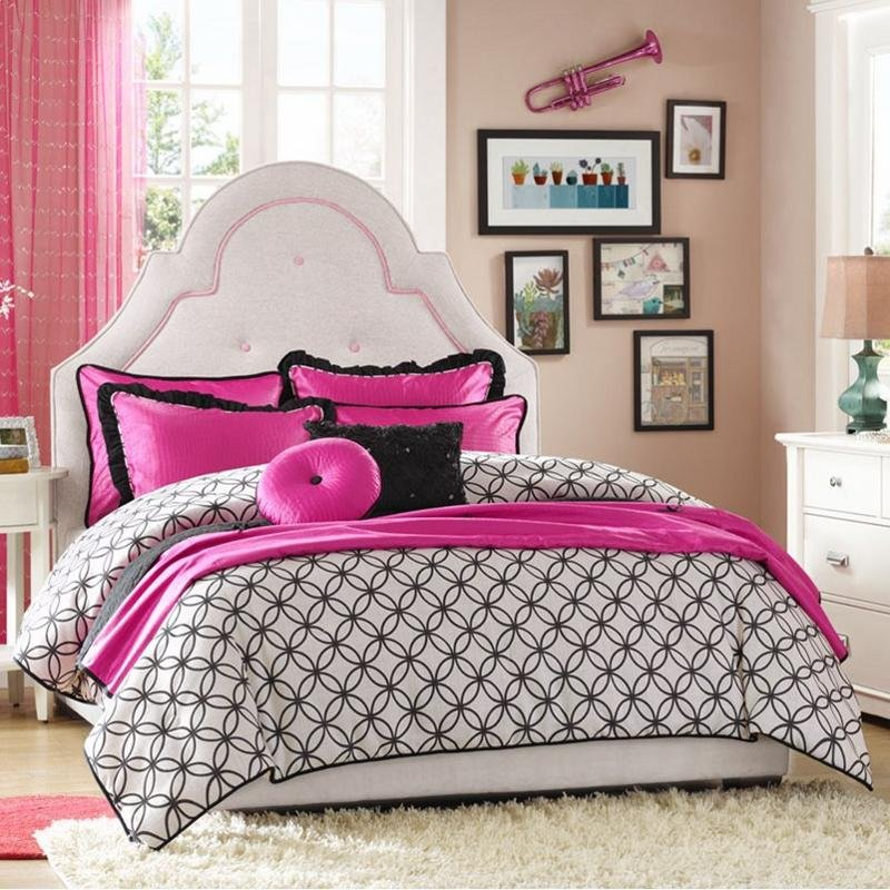 Hampton Hill Glamour Girls Full-Queen Bedding Collection