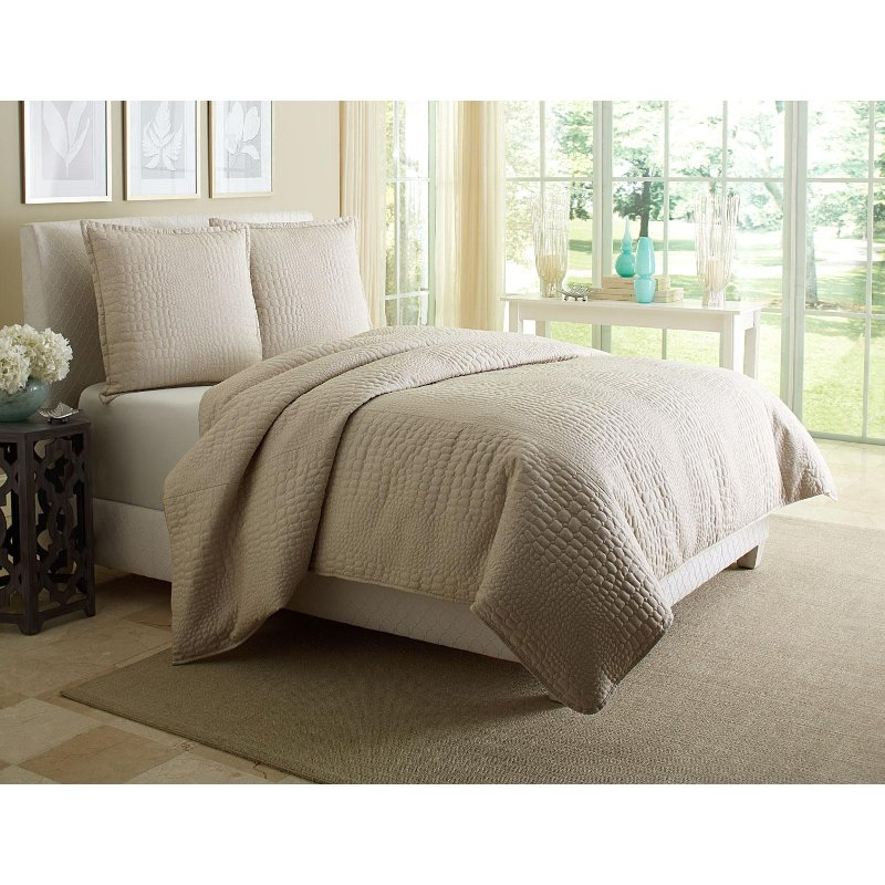 Taupe Dash Queen Bedding Collection
